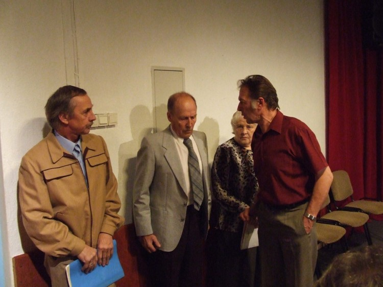 """""""Ar būdu uz baznīcu</"""" Vladimirs Kuzmins (pirmais no kreisās)"""